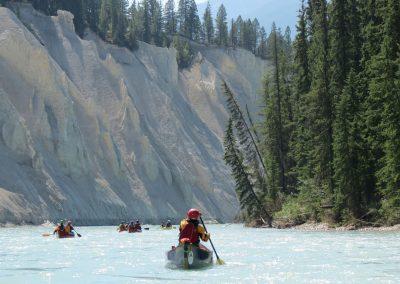 couples canoeing